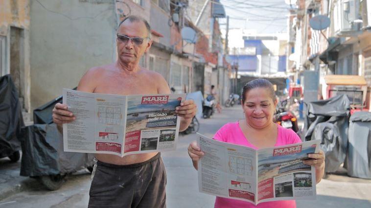 Podcast, jornal e 'rádio de poste': moradores da Maré usam meios comunitários para se informar durante pandemia