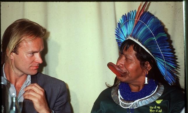 Sting e Raoni em 1989