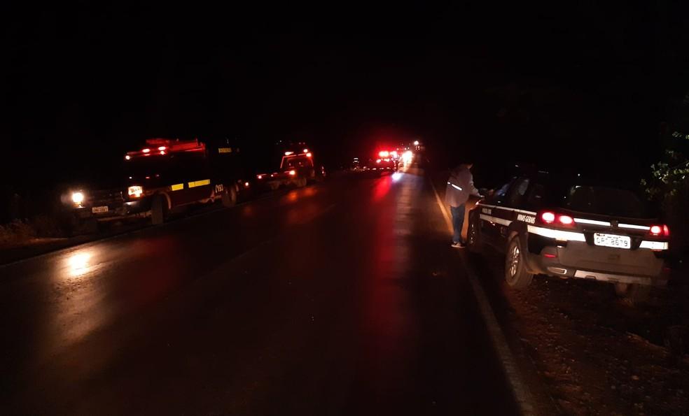 Perícia esteve no local e as causas do acidente serão apuradas — Foto: Corpo de Bombeiros/ Divulgação
