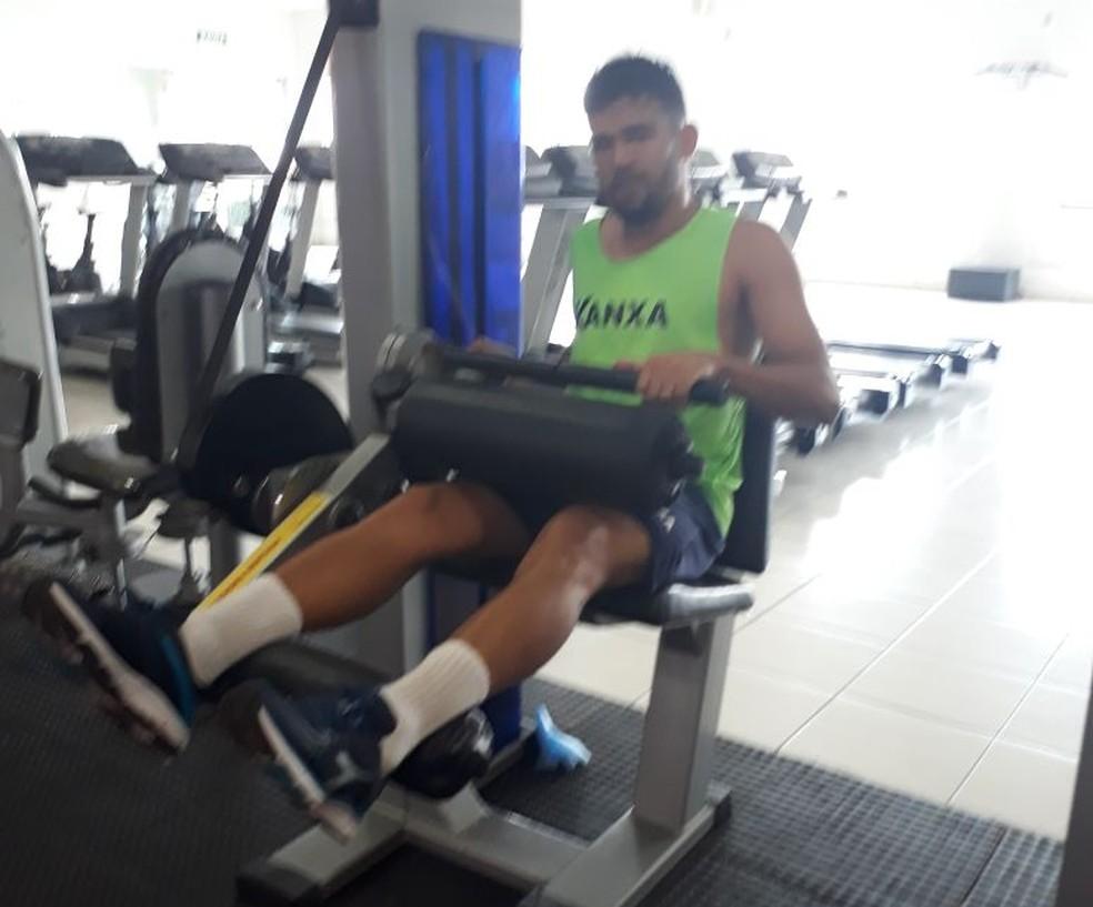 Ramon pode retornar ao time titular após suspensão automática (Foto: Jorge Alves/Parnahyba SC)
