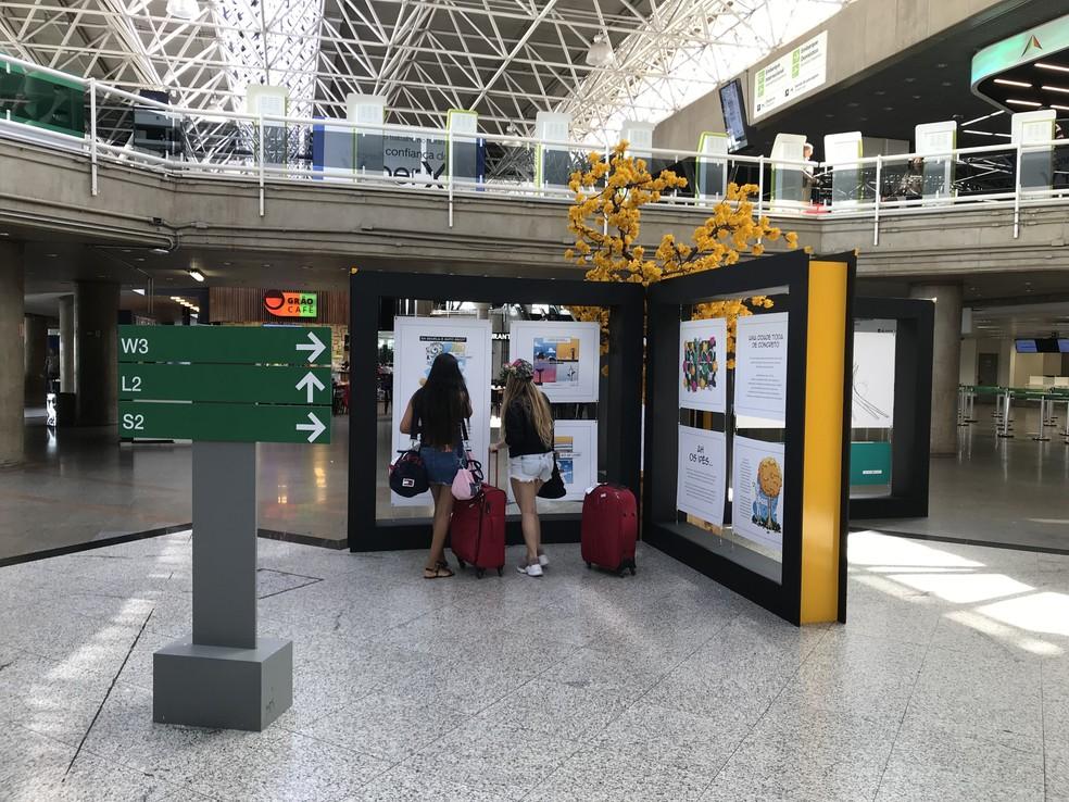 Exposição 'Cenas candangas' no Aeroporto Internacional de Brasília — Foto: Inframerica/Divulgação