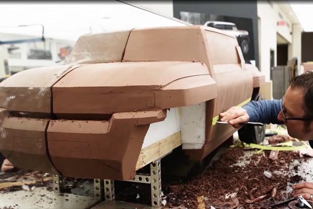 Um modelo em massinha do SUV Hummer elétrico (Foto: Divulgação)