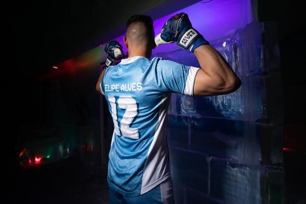 Felipe Alves, uniforme Les Bleus, Fortaleza — Foto: Gustavo Simão/Fortaleza