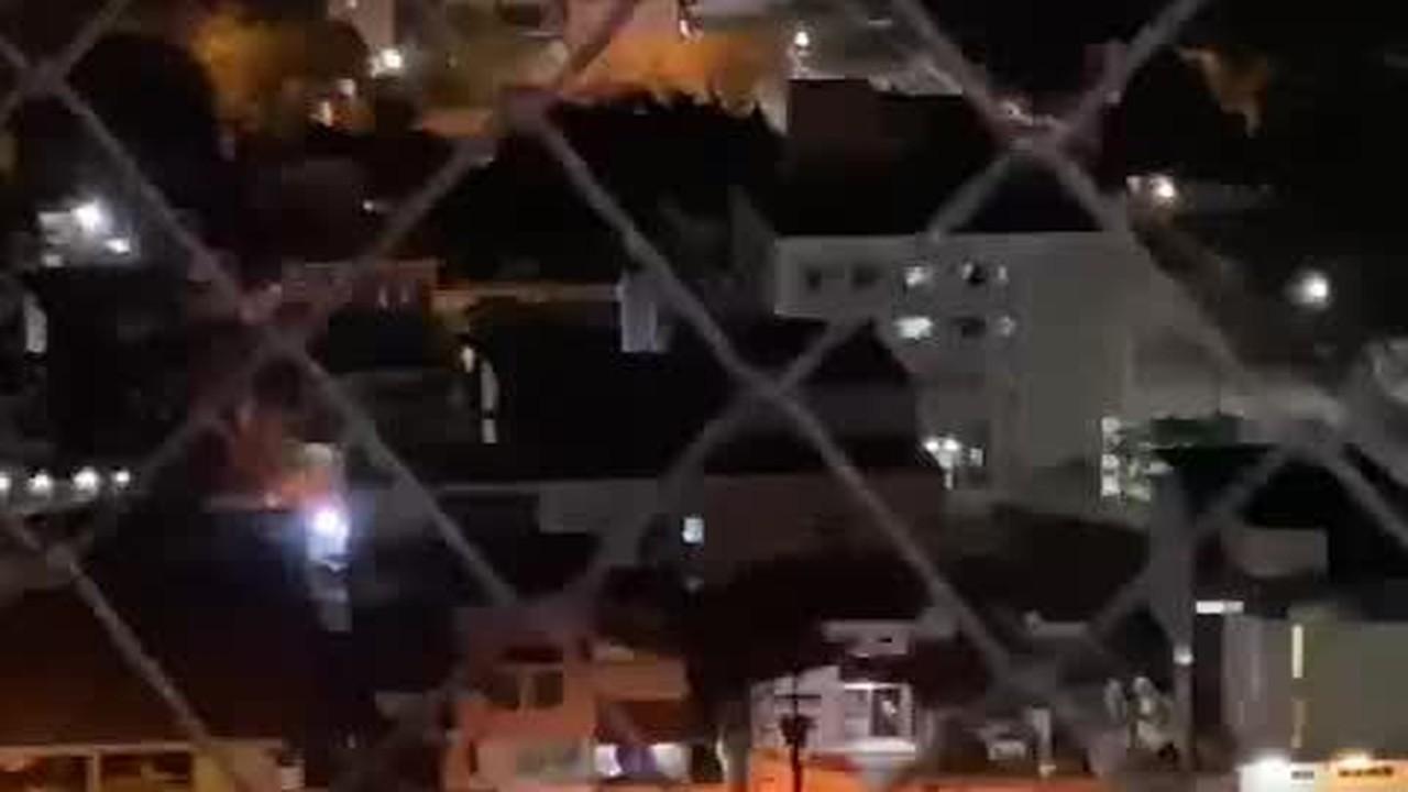 Vídeo registra barulhos de tiros durante perseguição policial na Zona Sul de Natal