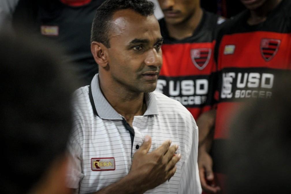 Mirandinha, técnico do Oeste, Copa São Paulo de Futebol Júnior — Foto: Guilherme Martinez Drovas