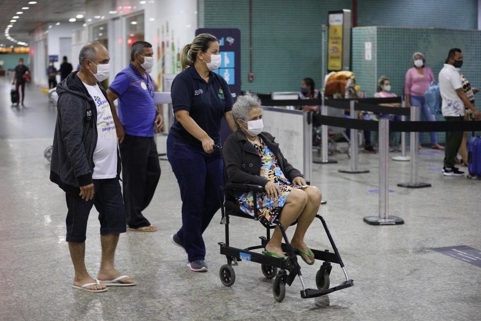 Pacientes que tiveram alta já retornaram para Rondônia na noite de quarta-feira (24). — Foto: Divulgação/Secom