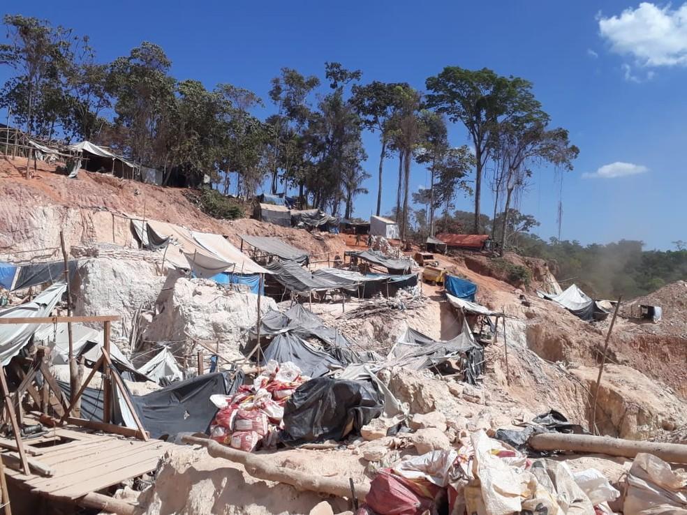 Extração de ouro em garimpo ilegal continua após 11 meses em Aripuanã (MT) — Foto: Polícia Civil de Aripuanã(MT)