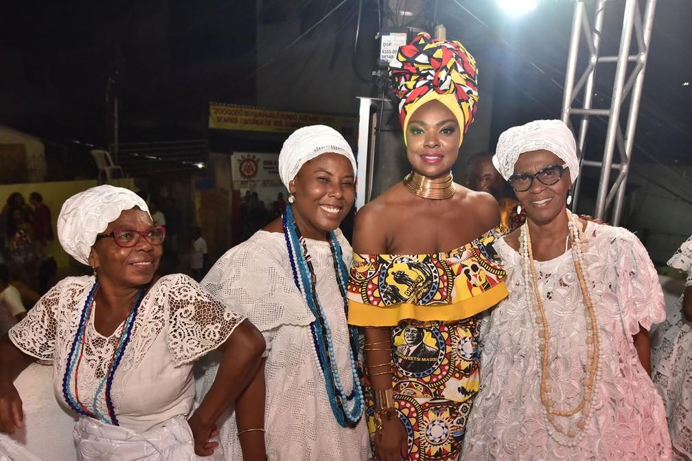 Cris Vianna no bloco Ilê Aiyê, no carnaval de Salvador.  — Foto: Adriano Cardoso/Ag Haack