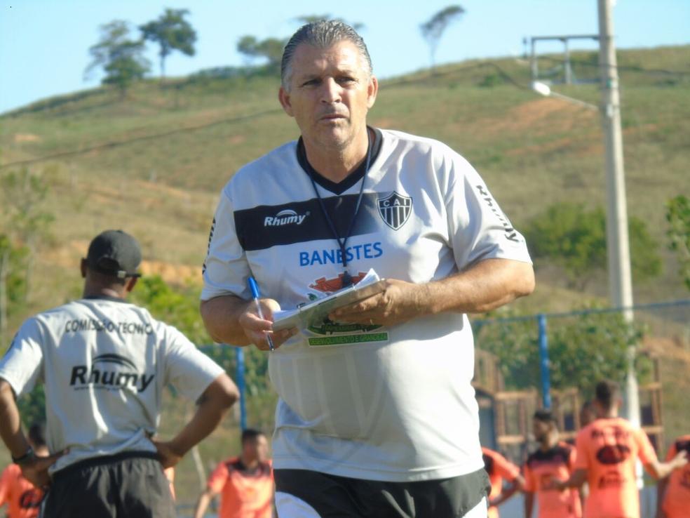 Zé Humberto, treinador do Atlético-ES (Foto: Karen Porto/Atlético-ES)
