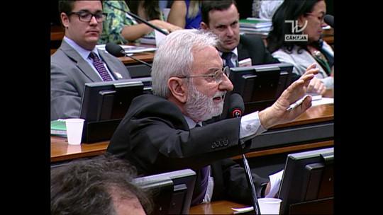 'Alguém que queira absolver Eduardo Cunha o faça publicamente', diz Ivan Valente