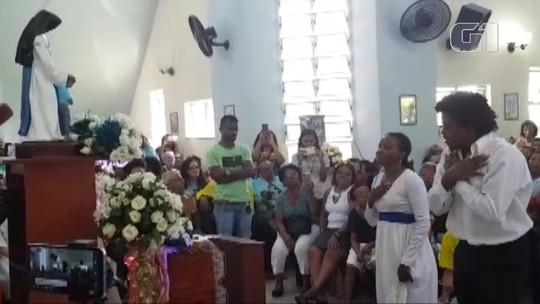 Ao som de Ivete, baianos celebram e dançam na primeira paróquia de Irmã Dulce em Salvador