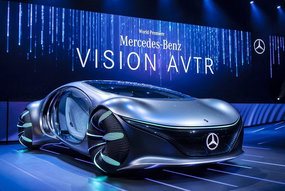 Mercedes-Benz VISION AVTR – inspiriert von AVATAR Der Name des wegweisenden Konzeptfahrzeugs steht nicht nur für die intensive Kollaboration während der Entwicklung des Showcars gemeinsam mit dem AVATAR Team, sondern auch für ADVANCED VEHICLE TRANSFORMATI (Foto: Daimler AG)