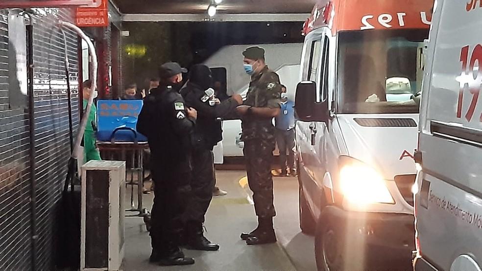 Soldado foi socorrido ao pronto-socorro Clóvis Sarinho, no Hospital Walfredo Gurgel. — Foto: Sérgio Henrique Santos/Inter TV Cabugi