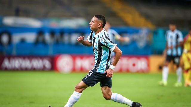 Luiz Fernando comemora na Arena