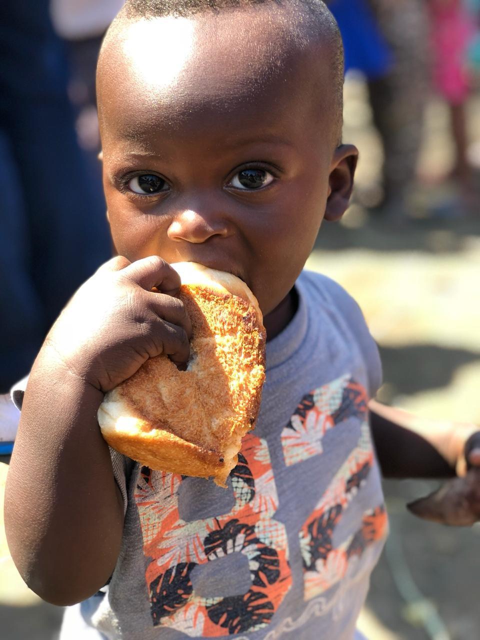 Pão para 120 pessoas por dia