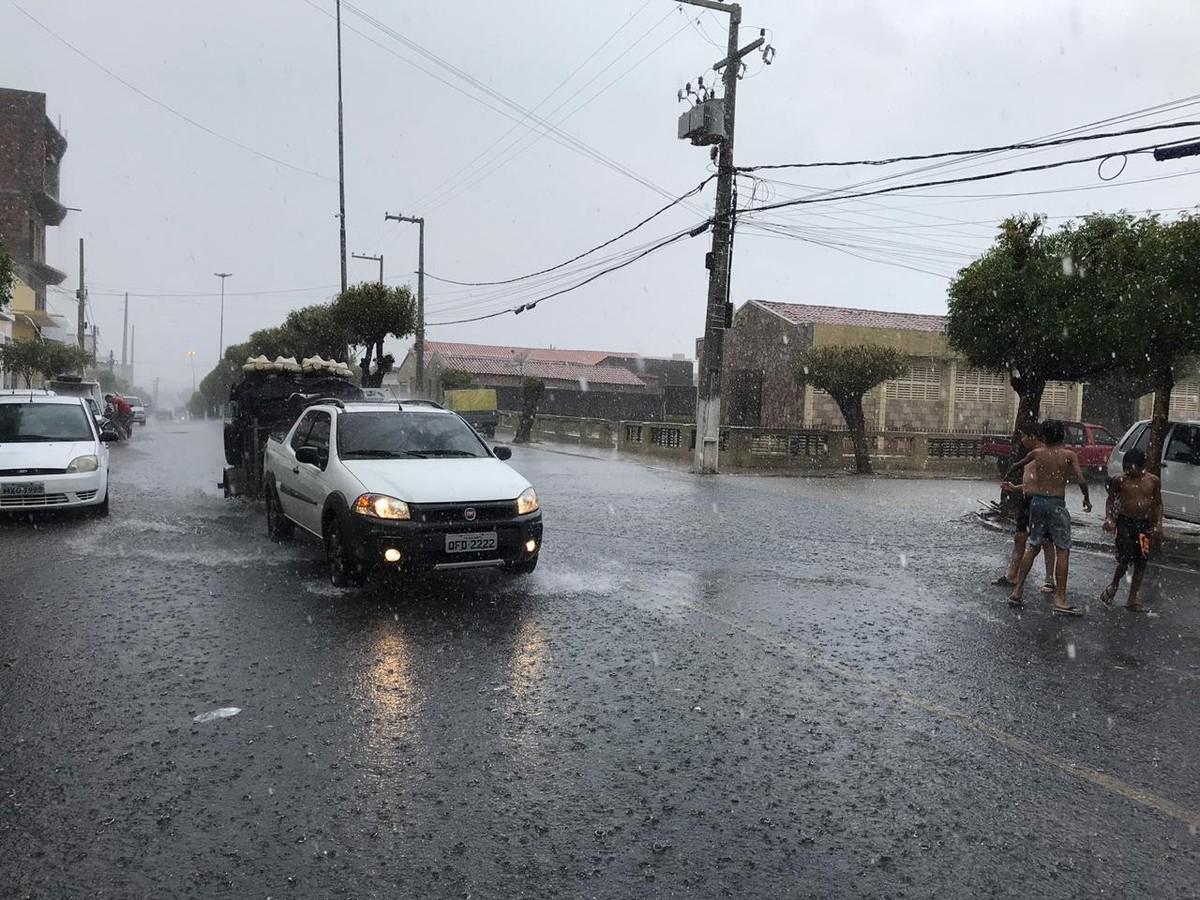 Alerta De Chuvas Intensas é Emitido Para 69 Municípios Da