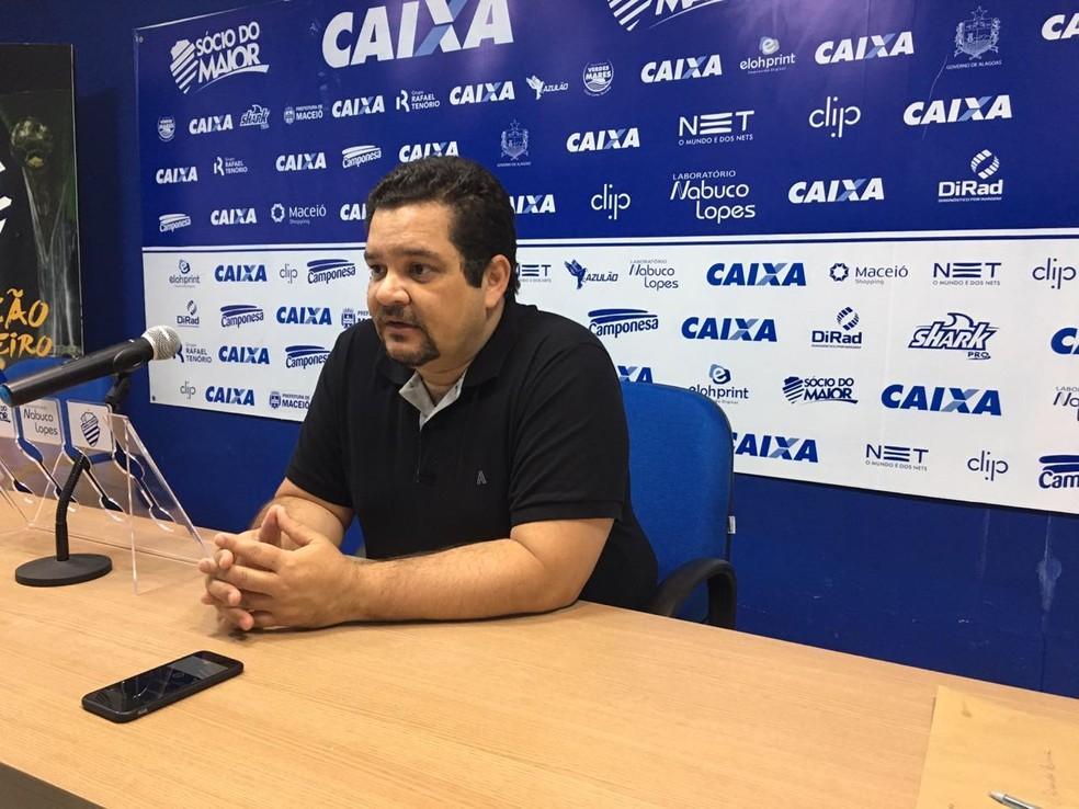 Fábio Lima explicou como o CSA trabalhou com Walter nas últimas semanas (Foto: João Alvim/GloboEsporte.com)
