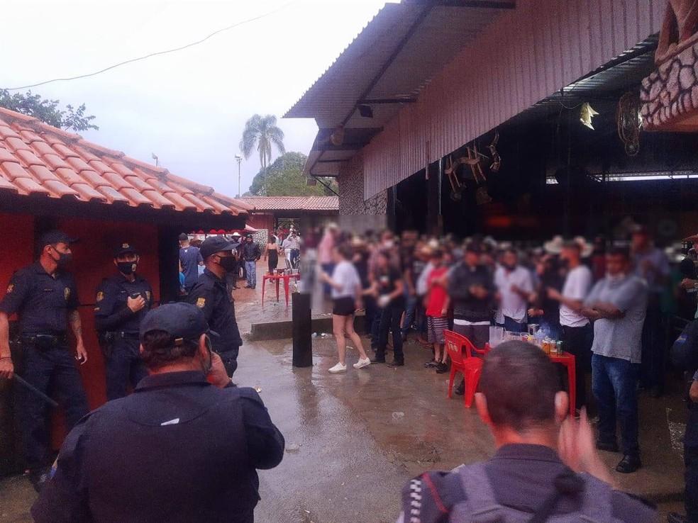 Guarda Civil encerra festa com mais de 500 pessoas em Bragança Paulista, SP — Foto: Polícia Militar/Divulgação