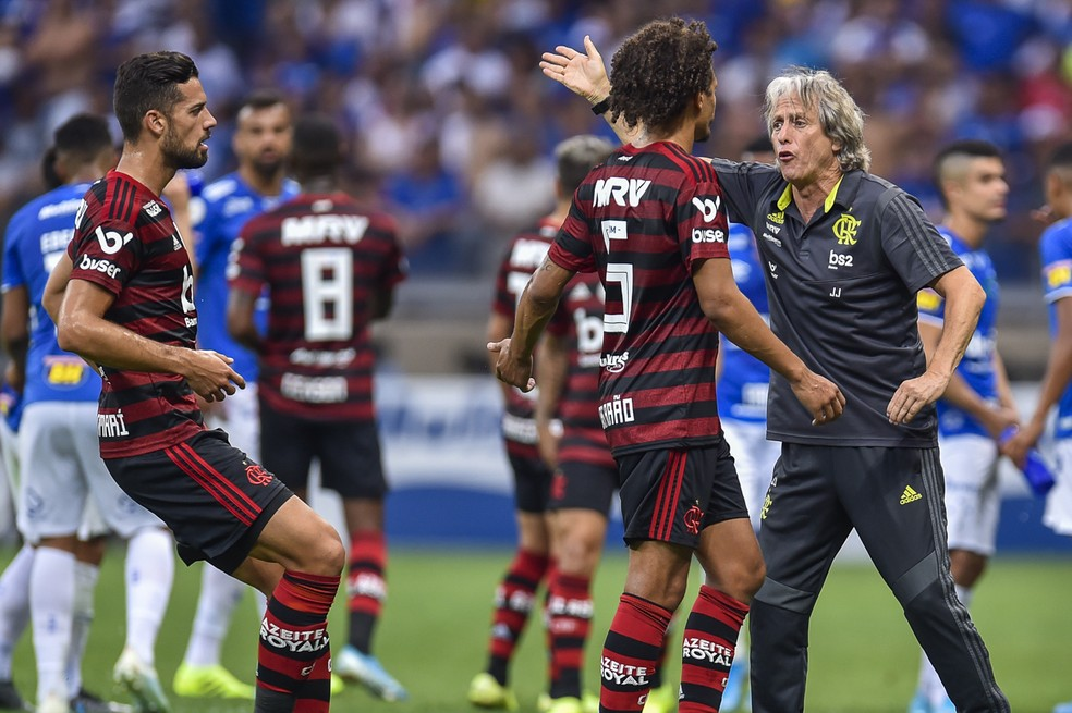 """Pablo Marí saiu em defesa do """"estilo Jorge Jesus"""" — Foto: Douglas Magno/BP Filmes"""