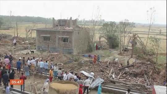 Resgate tenta chegar a regiões remotas atingidas por temporal no sul do Nepal