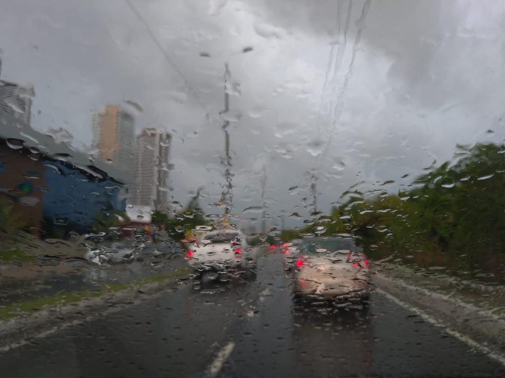 Chuvas em João Pessoa podem gerar transtornos aos moradores, diz Inmet — Foto: Krys Carneiro/G1