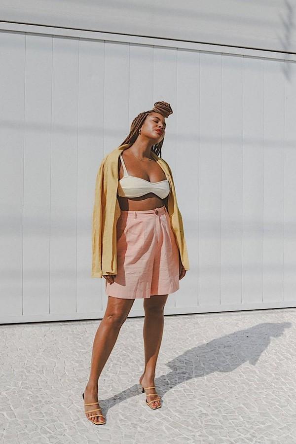 Bermuda: 11 looks com a peça cool para você se inspirar - Revista Glamour    Tendências