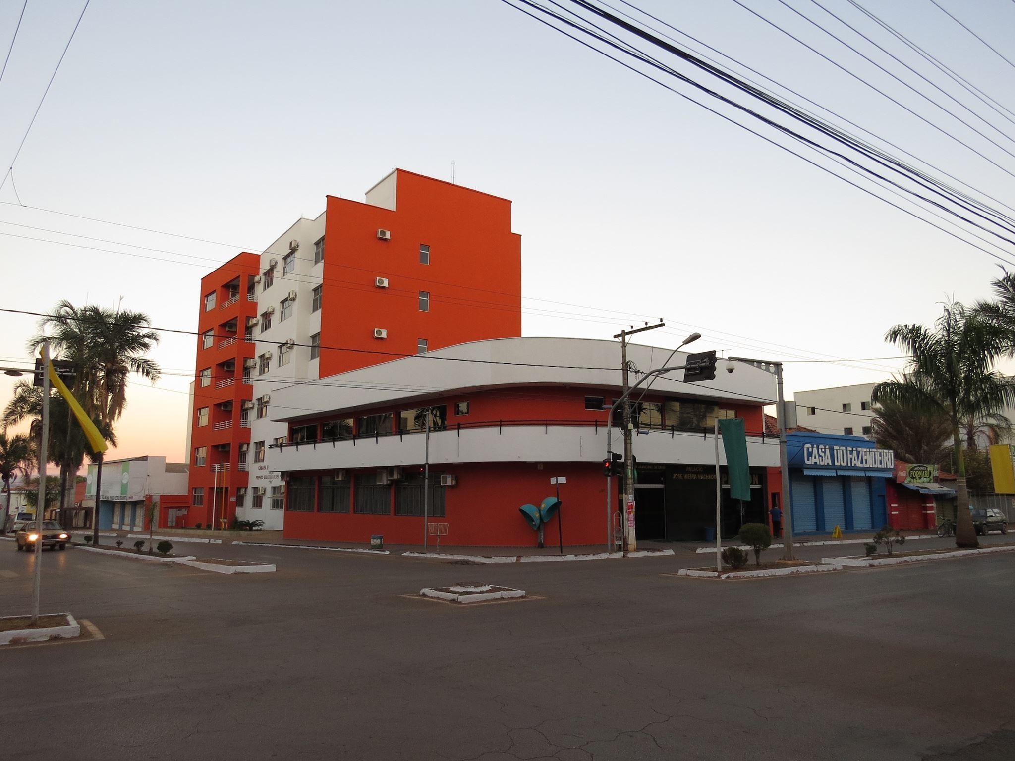 Câmara Municipal de Unaí suspende expediente após servidores contraírem Covid-19
