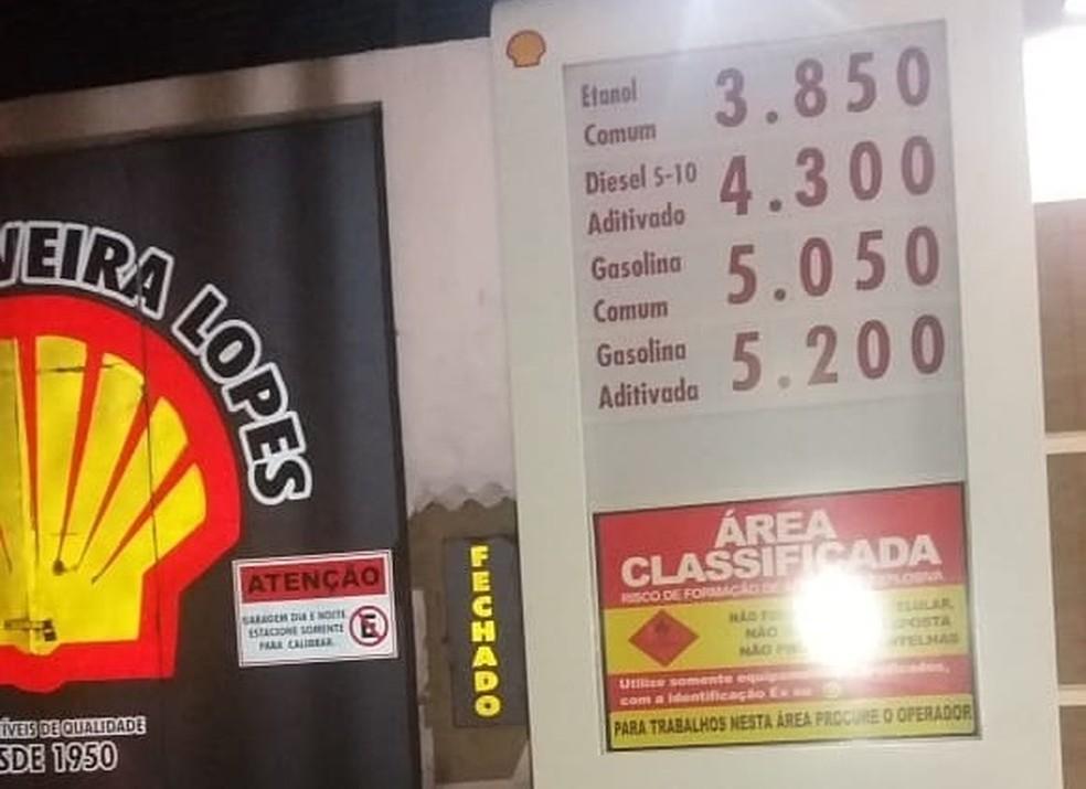 Posto de combustível no Ceará vende litro de gasolina a R$ 5,20 (Foto: Mateus Ferreira/TV Verdes Mares)