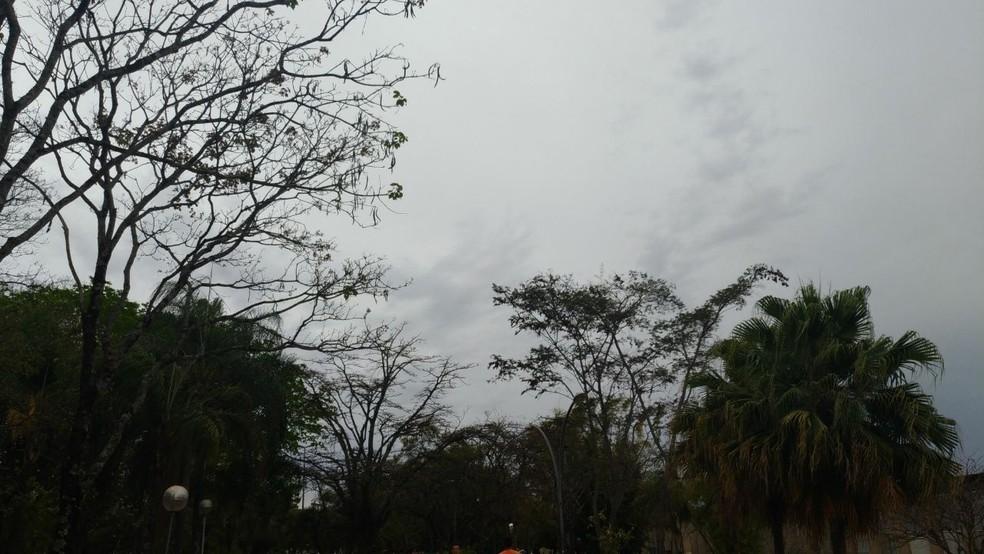Céu nublado na Asa Norte, em Brasília (Foto: Ix Chel de Carvalho/Arquivo pessoal)