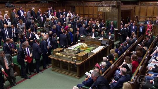 Primeiro-ministro do Reino Unido volta a afirmar que eles vão deixar EU de qualquer jeito
