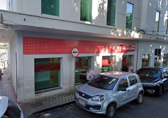 Funcionária de banco que faz atendimento ao cliente testa positivo para Covid-19 em Cuiabá