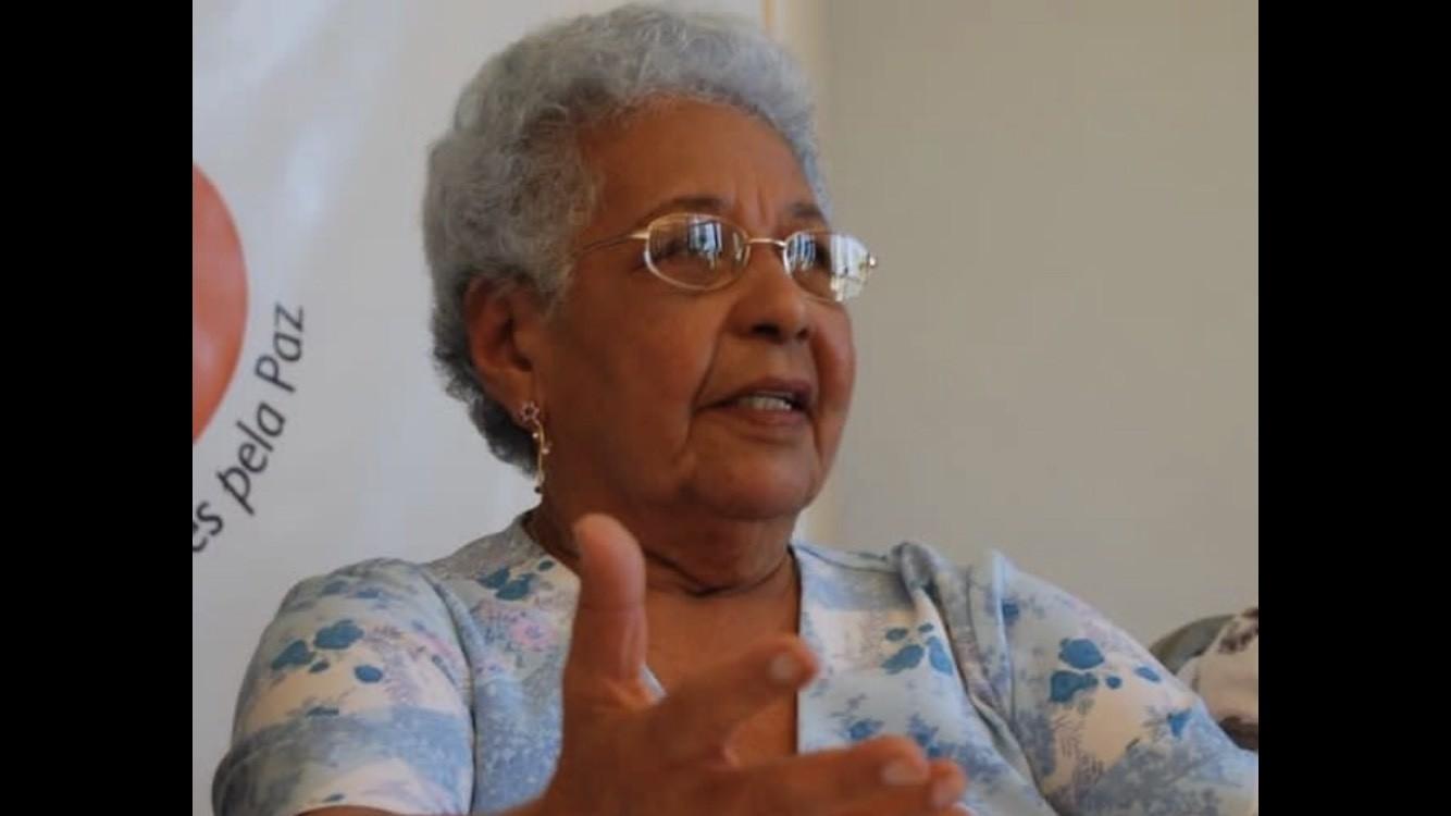 Morre, aos 88 anos, Lenira de Carvalho, líder do movimento sindical das trabalhadoras domésticas em Pernambuco