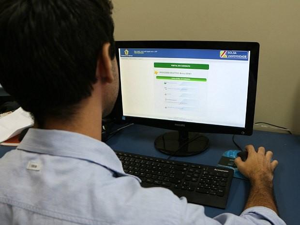 Prazo para reativação de benefício do Bolsa Universidade segue até sexta