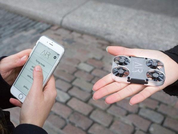 AirSelfie 2 conta com uma câmera de 12 MP (Foto: Divulgação)
