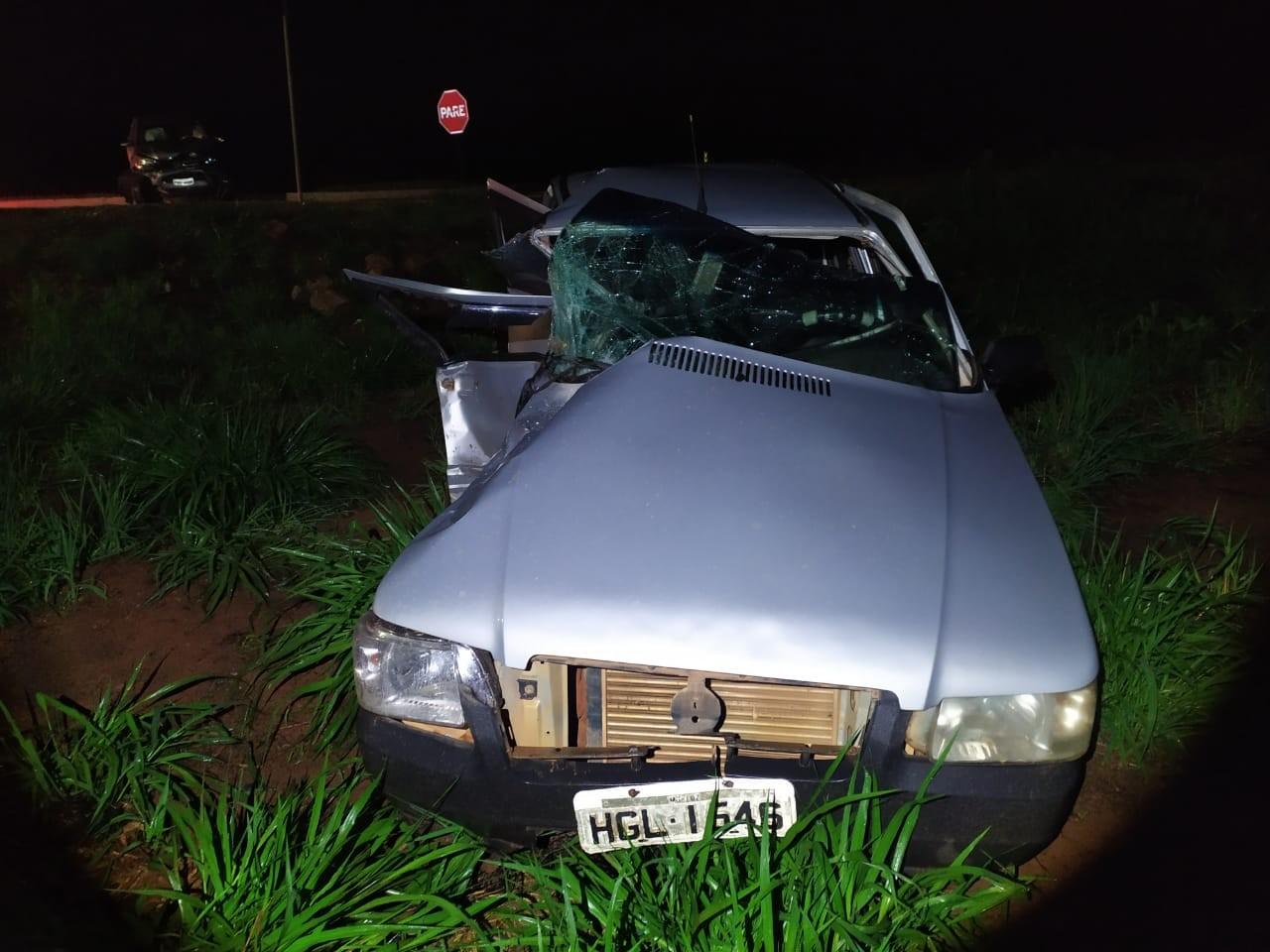 Acidente entre dois veículos deixa feridos na BR-262 em Luz