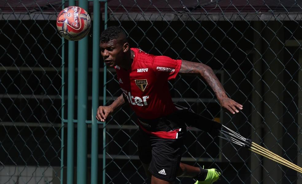 Arboleda tem sido um dos melhores jogadores do São Paulo nesta temporada — Foto:  Rubens Chiri / saopaulofc.net