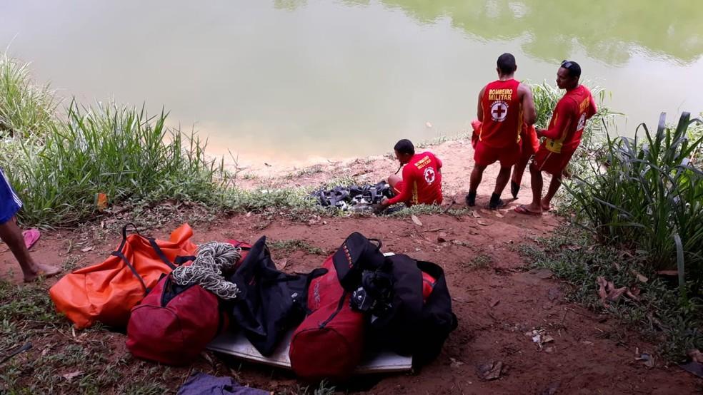 Equipe do Gmar localizou o corpo do garoto na manhã deste domingo (9) — Foto: Corpo de Bombeiros