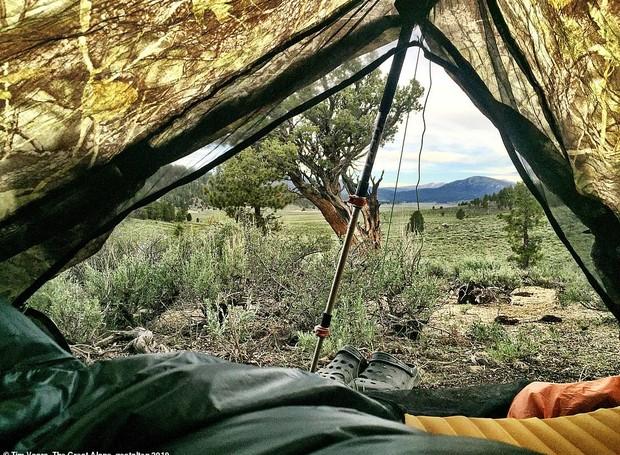 Barraca temporária em meio a cadeia de montanhas Sierra Nevada (Foto: Twitter/ Reprodução)