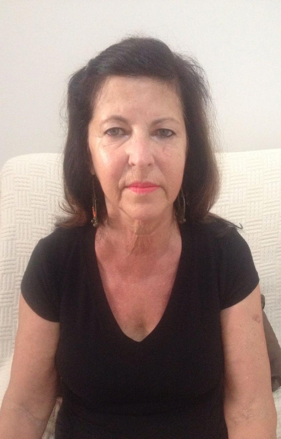 A aposentada Valquiria Valesca Lopes da Silva entregou seu imóvel após receber o valor da entrada, mas, com a demora na liberação do financiamento, ficou sem o restante do valor e está pagando aluguel (Foto: Arquivo pessoal)