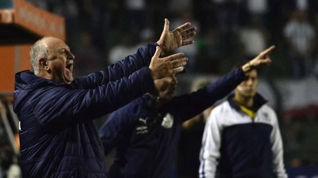 Felipão durante a partida contra o Grêmio