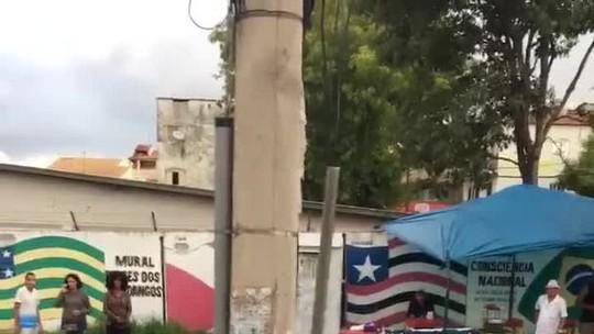 Motorista atropela pedestre e é agredido por moradores no DF; 'ele estava embriagado', diz PM
