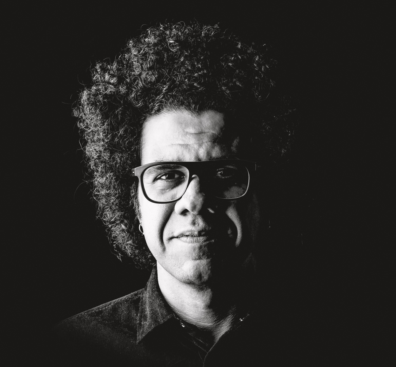 Hamilton de Holanda leva obra de Jacob do Bandolim para outros universos em discos que vão além da celebração subserviente
