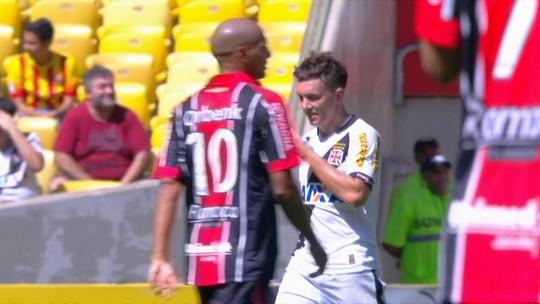 Salles leva o terceiro amarelo e não enfrenta o Santos; Serginho retorna