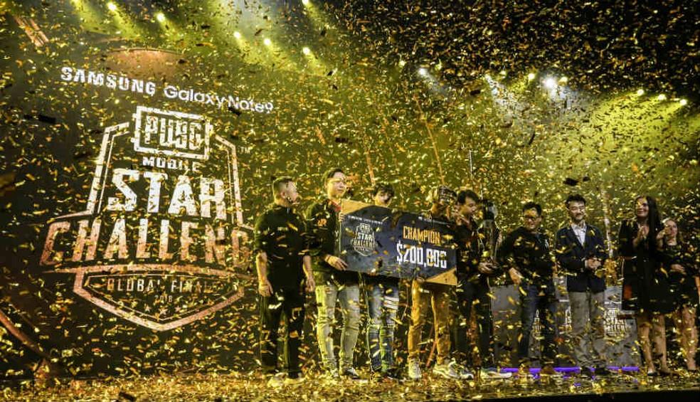 Tailandeses da RRQ Athena foram os campeões das finais mundiais do PUBG Mobile Star Challenge — Foto: Reprodução/Twitter PUBG Mobile