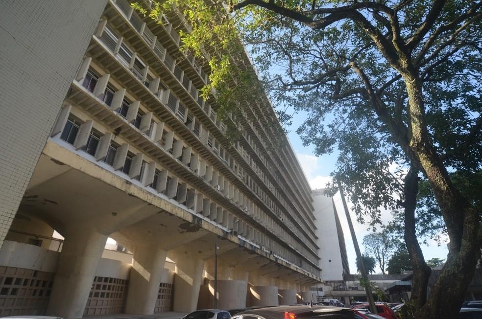 Na segunda (28), o Hospital das Clínicas, da UFPE, mantém o funcionamento (Foto: HC/Divulgação)