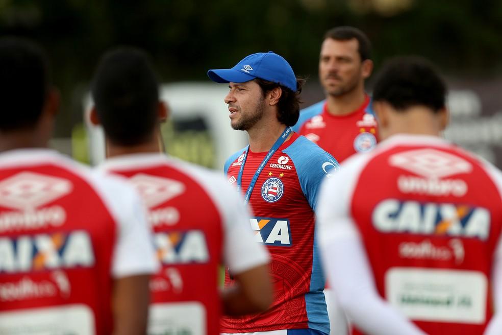 Preto Casagrande foi efetivo a treinador, mas depois voltou a ser interino (Foto: Felipe Oliveira/Divulgação/EC Bahia)