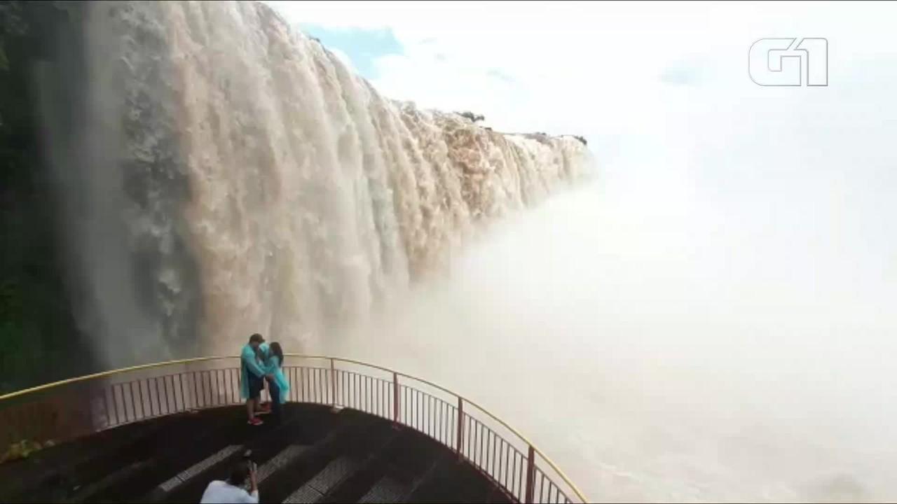 Vazão das Cataratas do Iguaçu passa de 3,6 milhões de litros por segundo