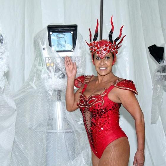 Ela desfilou no último Carnaval pela Grande Rio, no enredo que homenageou Chacrinha  (Foto: Agência O Globo)