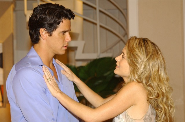 Márcio garcia e Cláudia Abreu em cena de Celebridade: (Foto: TV Globo)