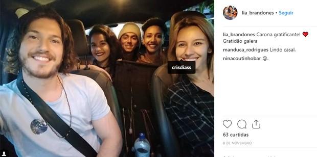 Fã mostra carona com Caio Paduan e Cris Dias (Foto: Reprodução/Instagram)